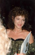 Amy Irving Quotes, Quotations, Sayings, Remarks and Thoughts