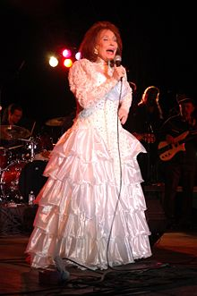 Loretta Lynn Quotes, Quotations, Sayings, Remarks and Thoughts
